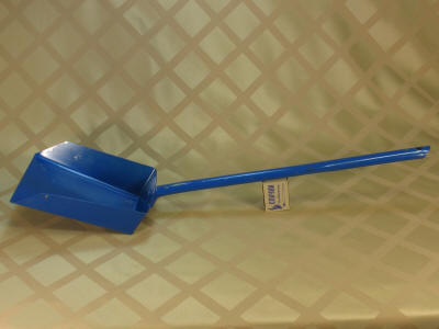 Совок металлический с длинной ручкой.  Наборы каминного инструмента (щипцы, багор, совок и метелка).