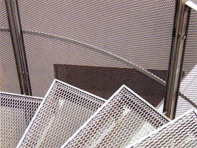 Лестницы, площадки и ступени из просечно-вытяжного листа