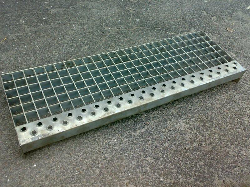 Buy Wares from metals (metalloizdeliya)