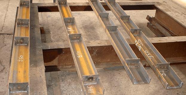 Купити Металоконструкції: підкранові, покрівлі для будинків з колонами, зв'язки, кранові естакади