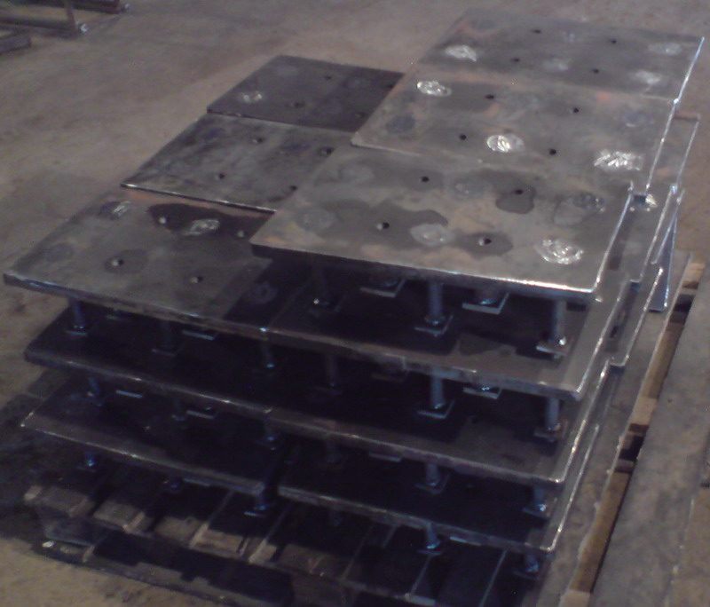 Вироби закладні металеві
