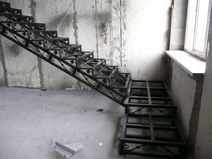 Лестничные марши,перильные и балконные ограждения