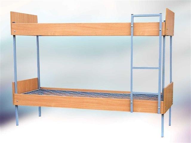 Купить Кровать для гостиниц двухъярусная комбинированная с лестницей и боковыми накладками из ДСП