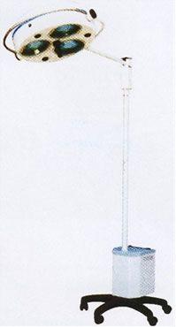 Светильник операционный бестеневой L2000-3E , трехрефлекторный передвижной (аварийное питание)