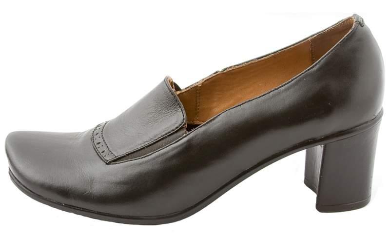 Детские ботинки и сапожки мы продаем только женские и итальянские.