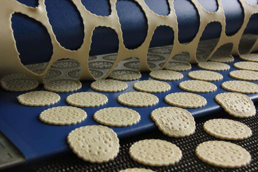 Автоматична линия за производство на дълги бисквитки като Мария