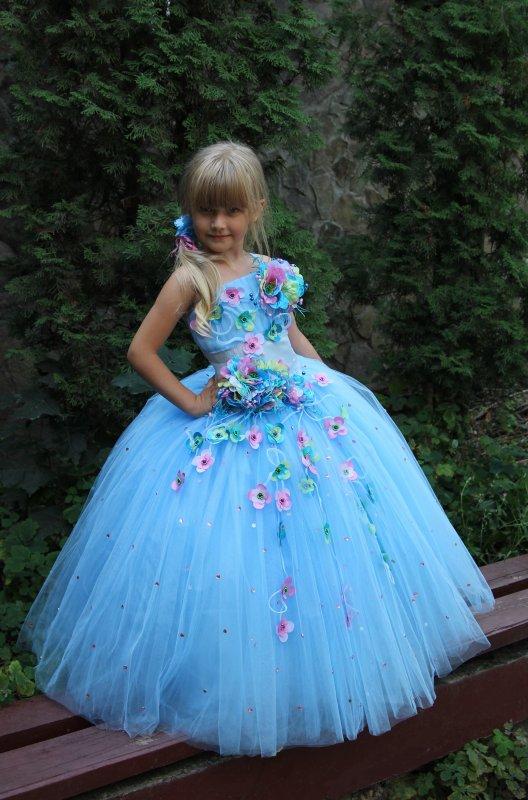 Детское бальное платье голубое