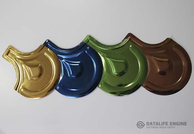 Черепица металлическая с разноцветным покрытием из нитридов и оксидов титана