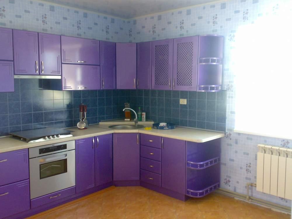 Кухню фиолетового цвета