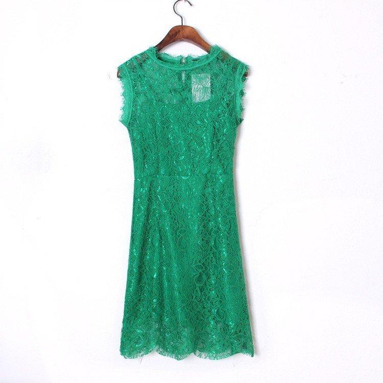 Гипюровое платье зеленое