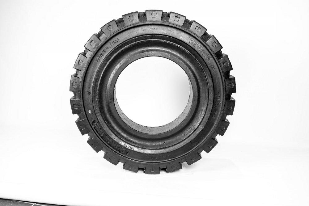 Tires of 250х15 Emrald for loaders
