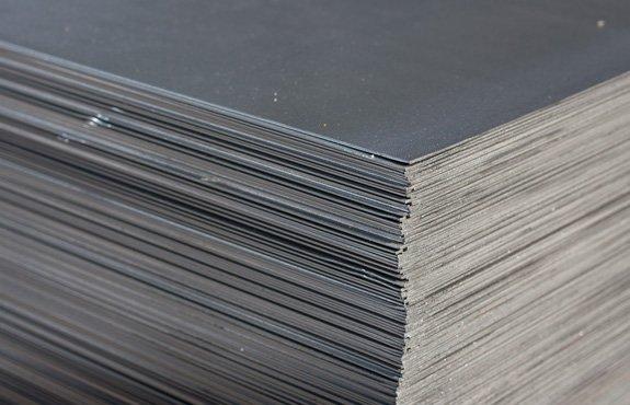 Купити Аркуш гарячекатаний 28х1500х6000 сталь 20