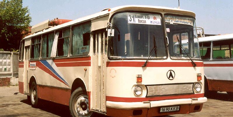 Пассажирский автобус ЛАЗ-695Н
