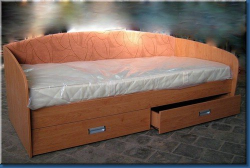 Как сделать кровать своими руками одноместную