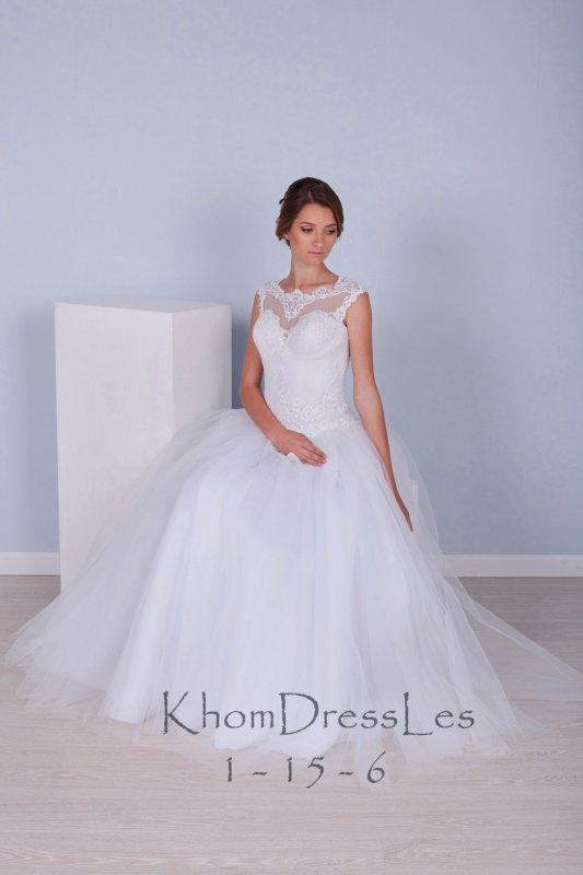 Весільне пишне плаття біле із заниженим корсетом і мереживний маечкой 09c27bad36dd1