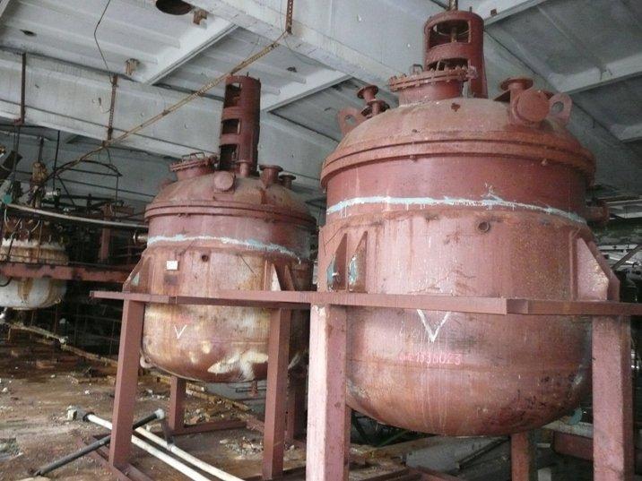 Реактор нержавеющий на 4м.куб.  Реактора с мешалками эмалированные