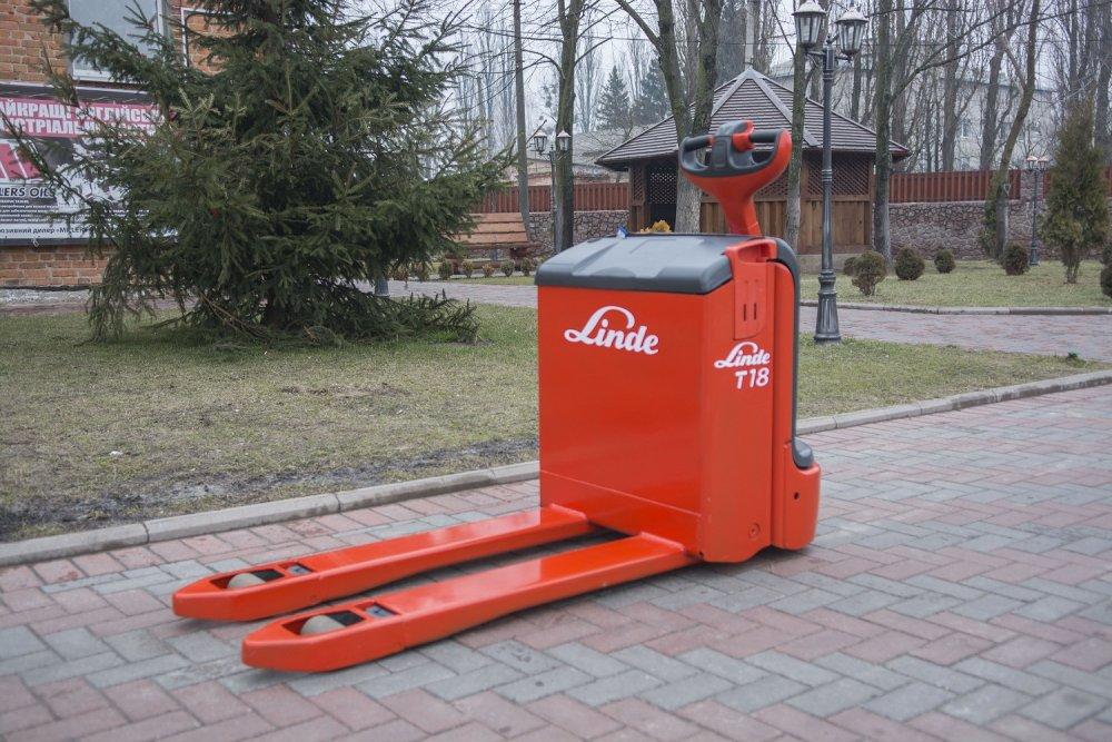 Электротележка Linde T18