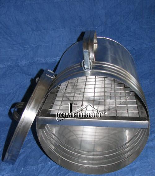 Коптильня из нержавеющей стали имеет бочкообразную форму и прямоугольную сетку, которая так же выполнена из нержавейки , изделия для быта