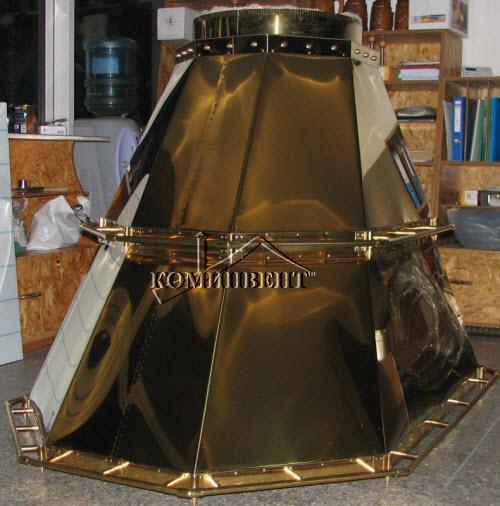 Вытяжка - дымоход для барбекю с технической позолотой. Материал:Сталь нержавеющая AISI 316L ( 14401 ). Изготовим мангалы, барбекю, шашлычницы, коптильни из нержавеющей стали по индивидуальному заказу.