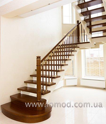 Лестница деревянная. Модель Сияние.