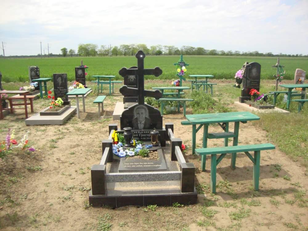 Купить Памятник гранитный модель -68