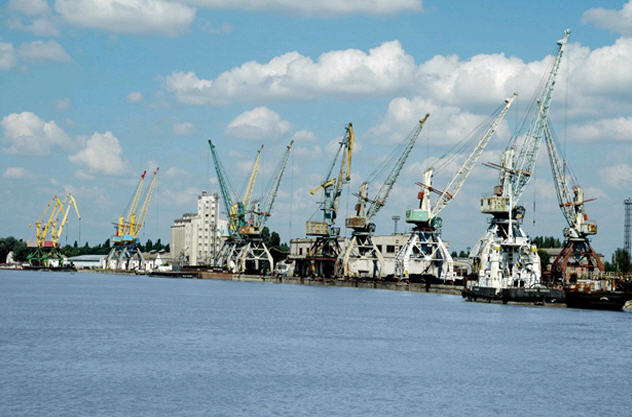 84555 Сотрудники Ренийского порта требуют у руководства план развития предприятия