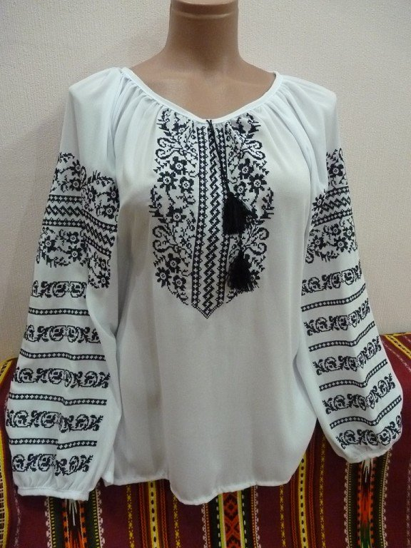 Жіноча вишиванка біла із чорною вишивкою купити в Київ 4305d56d73585