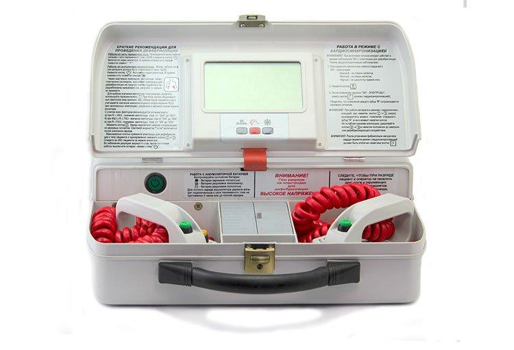 Кардиодефибриллятор-монитор портативный с универсальным питанием ДКИ-Н-15Ст БИФАЗИК+