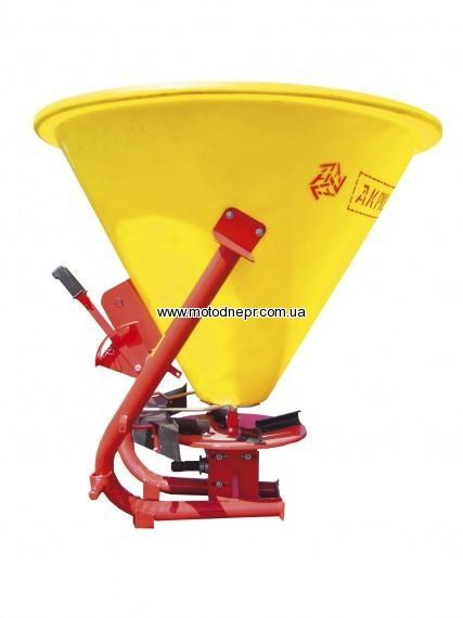 Разбрасыватель минеральных удобрений BOMET (Пластиковая ёмкость) 500 кг