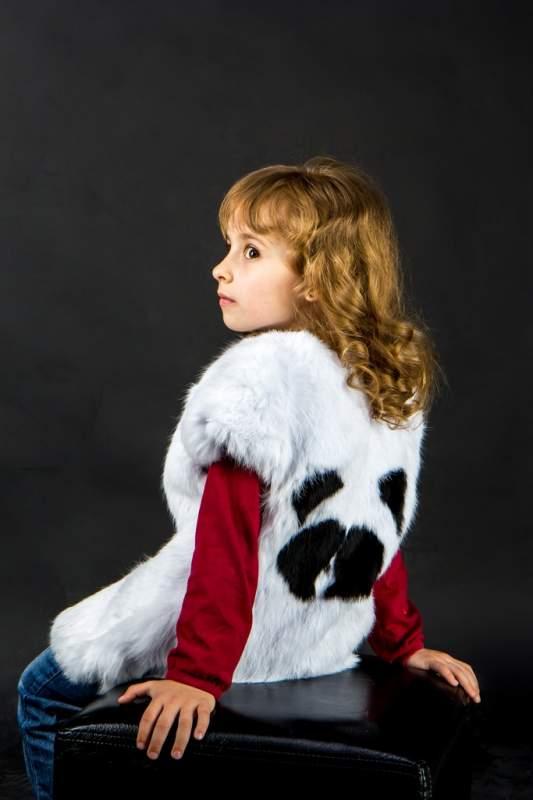 Жилет для девочки из меха кроля (ДЖК002030)