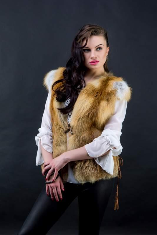 Жилет из лисы с кожаными вставками Харьков (ЖЛ010118)