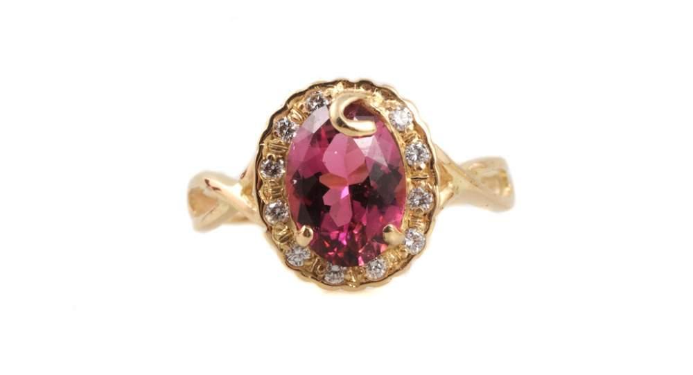 Золотое кольцо розовый перстень