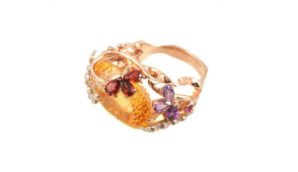 Золотое кольцо оранжевый перстень