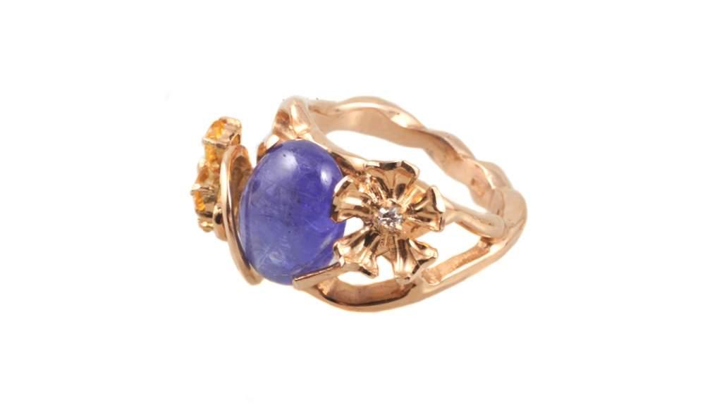 Золотое кольцо фиолетовый перстень
