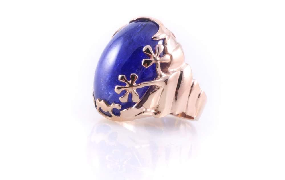 Кольцо золотое синий перстень