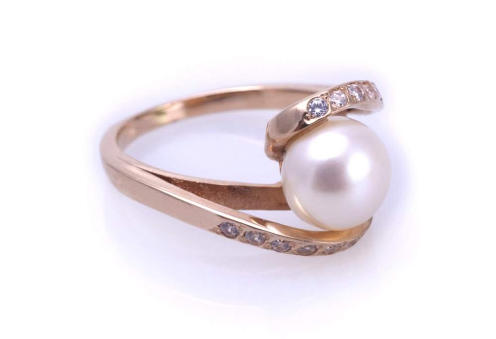 Кольцо золотое с жемчугом Артикул: К030
