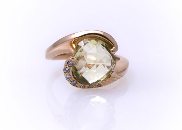 Кольцо золотое с кварцем Артикул: К048