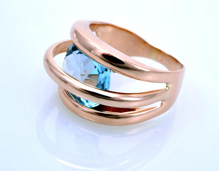 Кольцо с голубым топазом Артикул: К022