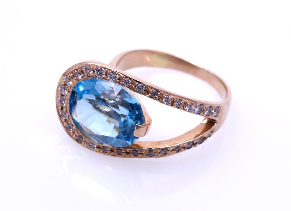 Кольцо с голубым топазом Артикул: К002