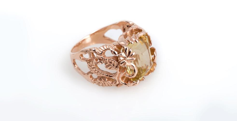 Эксклюзивное золотое кольцо с натуральным камнем Артикул: К110
