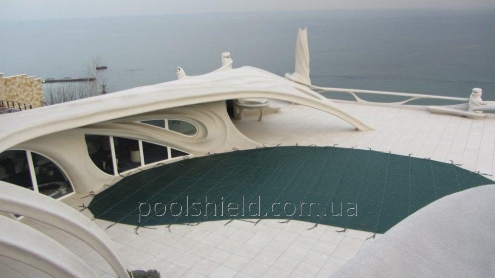 Shield covering for the pool
