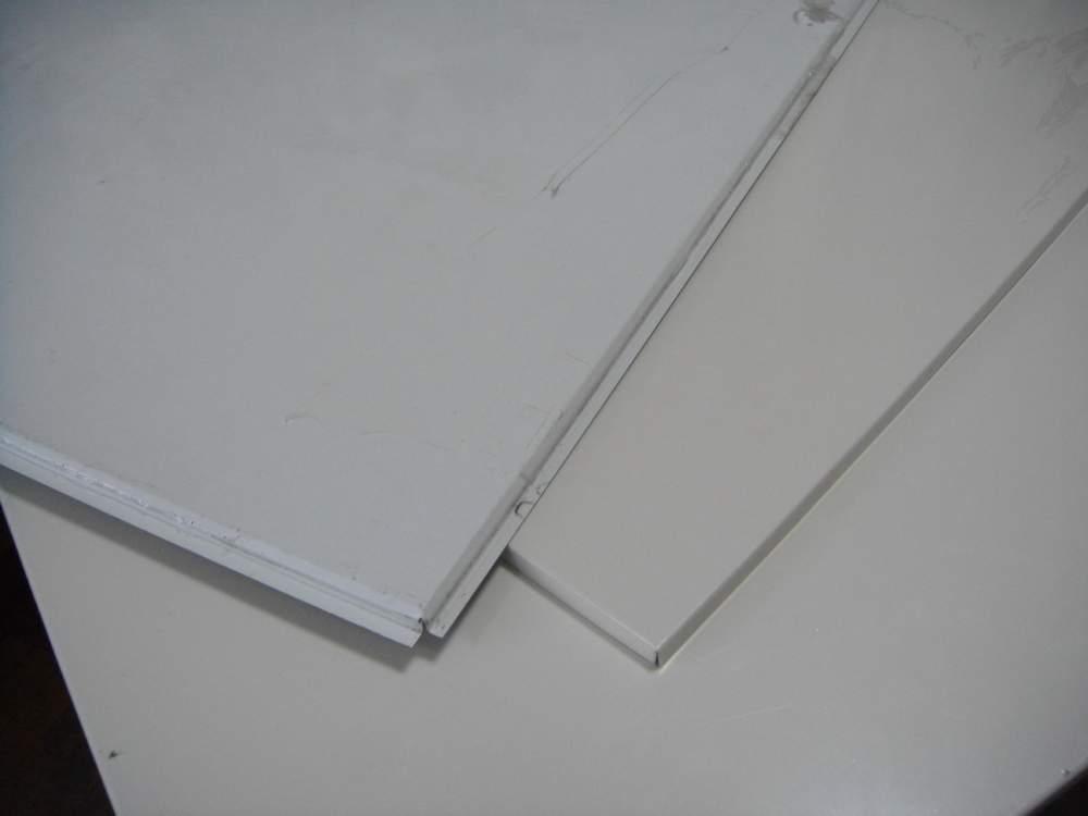 Купити Касетні стелі, металеві плити для підвісної стелі.