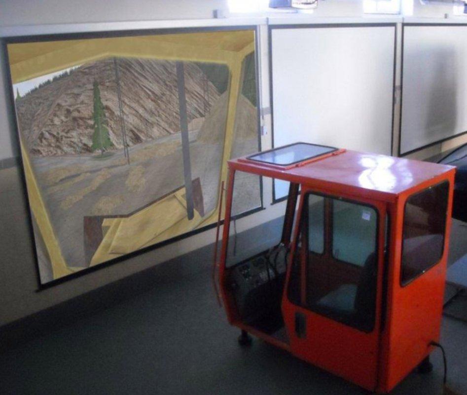 Тренажер подготовки машиниста автомобильного крана