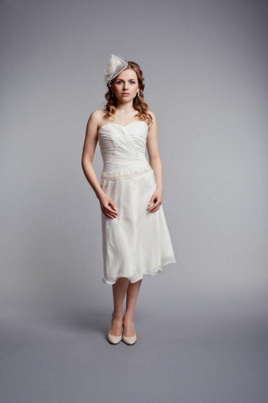 bd52f2344343b4 Коротке шифонове весільне плаття купити в Київ
