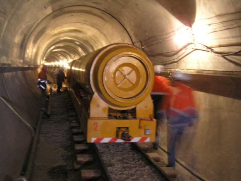 Автономная тоннельная опалубка для прохождения и строительства тоннелей