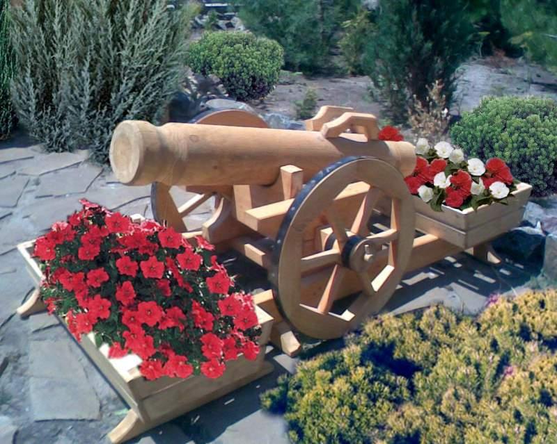 Цветник деревянный