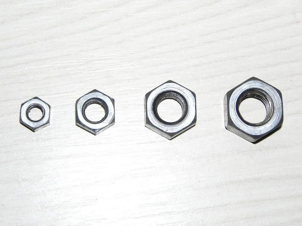 Крепежные изделия без покрытия и с гальваническим цинковым покрытием