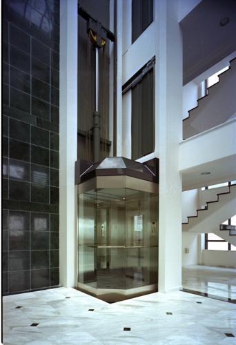 Лифты панорамные (с прозрачными кабинами) PANORAMIC 8