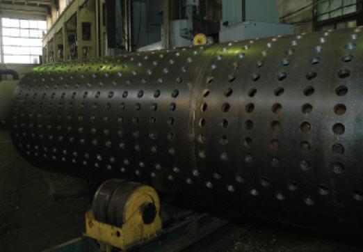Барабаны стационарных паровых котлов с давлением насыщенного пара до 10 МПа, диаметр внутренний 630-2000 мм, толщина стенки 8-60мм с эллиптическими днищами из низколегированных сталей