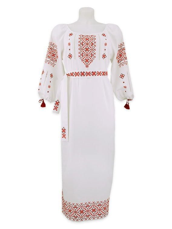 Белое платье с красной вышивкой